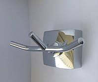 Крючок тройной для ванной комнаты