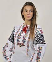 Женская вышитая блуза на лене с оригинальным узором