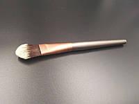 Кисть для MakeUp Paston для тональной основы №4