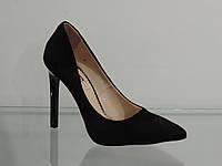 Туфли женские замшевые на шпильке черные