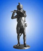 Оловянная фигура. Франция. Флейтист военного оркестра.