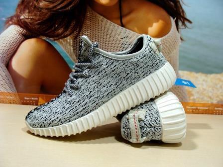 Кроссовки для бега Adidas yeezy boost 350 (реплика) серые 39 р.