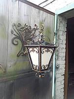 Настенный кованный фонарь