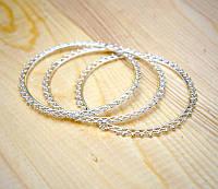 Браслет кольцо из белого металла с белым бисером