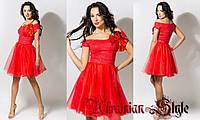 Короткое  красное коктейльное платье с пышной юбкой