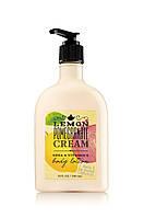 Американський лосьйон для тіла від Bath & Body Works - аромат Lemon Pomegranate Cream (лимон, гранат, вершки)