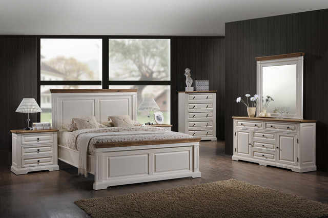 Спальные комплекты, кровати
