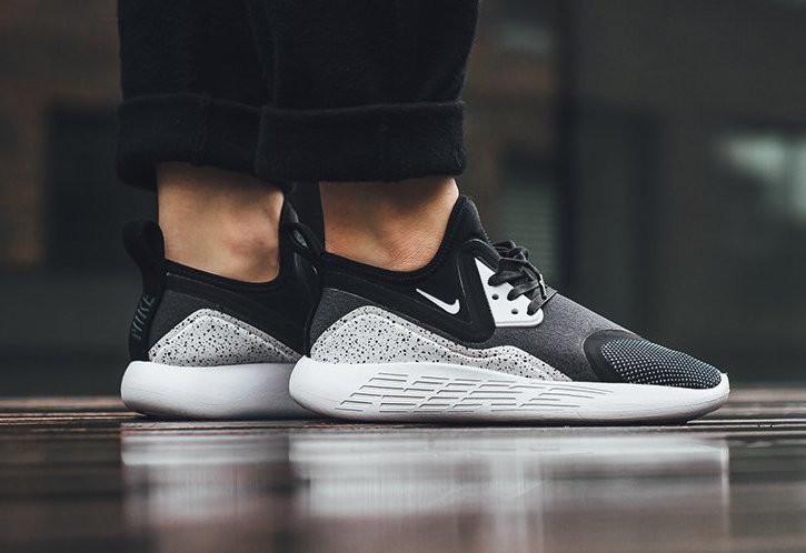 Кроссовки Nike Lunarcharge Thread