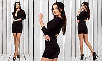 Маленькое черное женское короткое в обтяжку трикотажное платье с запахом на спине с рукавом три четверти