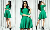 Красивое стильное модное креповое платье с рукавом три четверти зеленого цвета