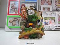 Декоративный настольный фонтан девочка с мальчиком у водопада. Артикул 10075