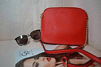 Красная женская сумка с твердым дном