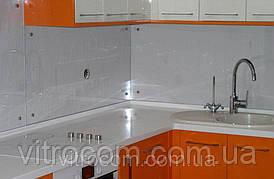 Стеклянный фартук для кухни из прозрачного калённого стекла