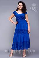 Платье  длинное с кружевом и  ярусами с широкой резинкой на талии