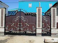 Ворота кованые с калиткой, зашиты профнастилом. Возможна доставка и установка. Индивидуальное изготовление.