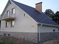 Дом из красного строительного кирпича