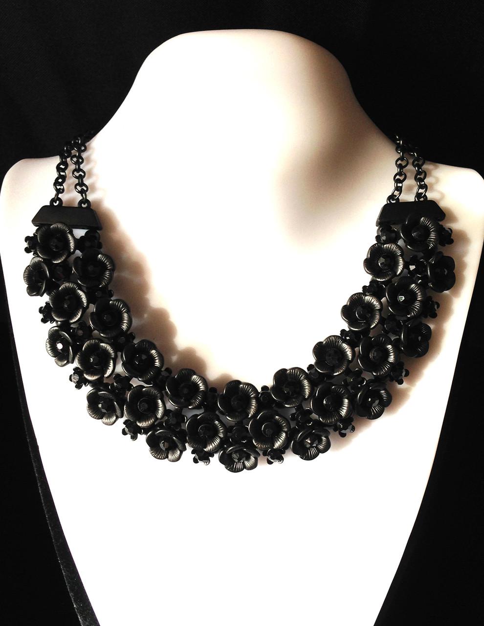 Колье изысканные цветы, черные камни