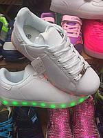 Белые женские кроссовки с подсветкой 40-41р