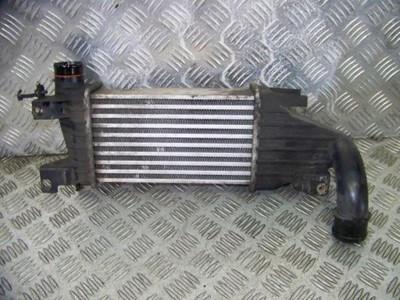 Б/у радіатор интеркуллера 13128926 для Opel Astra H Caravan