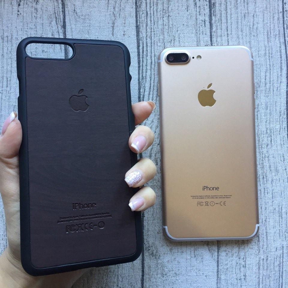 Пластиковый коричневый чехол под дерево для iPhone 7 Plus