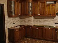 Кухня из ясеня, столешница мрамор