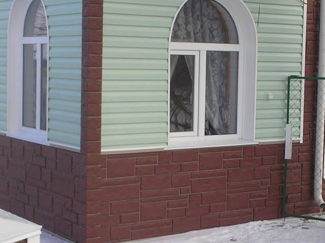Сайдинг та фасадні панелі