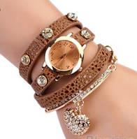Модные стильные женские часы-браслет с подвеской  , кофейные