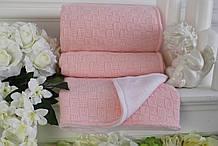 Розовый детский вязаный плед на подкладке