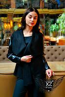 Женское пальто с кожаными рукавами и пояском  короткое