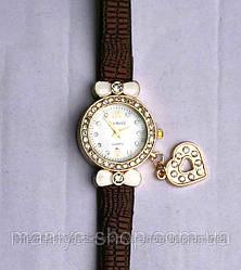 Часы с сердечком 1