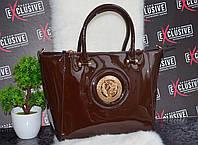 Стильная сумка в стиле Диор лаковая коричневая.