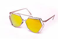 Модные солнцезащитные очки модного фасона
