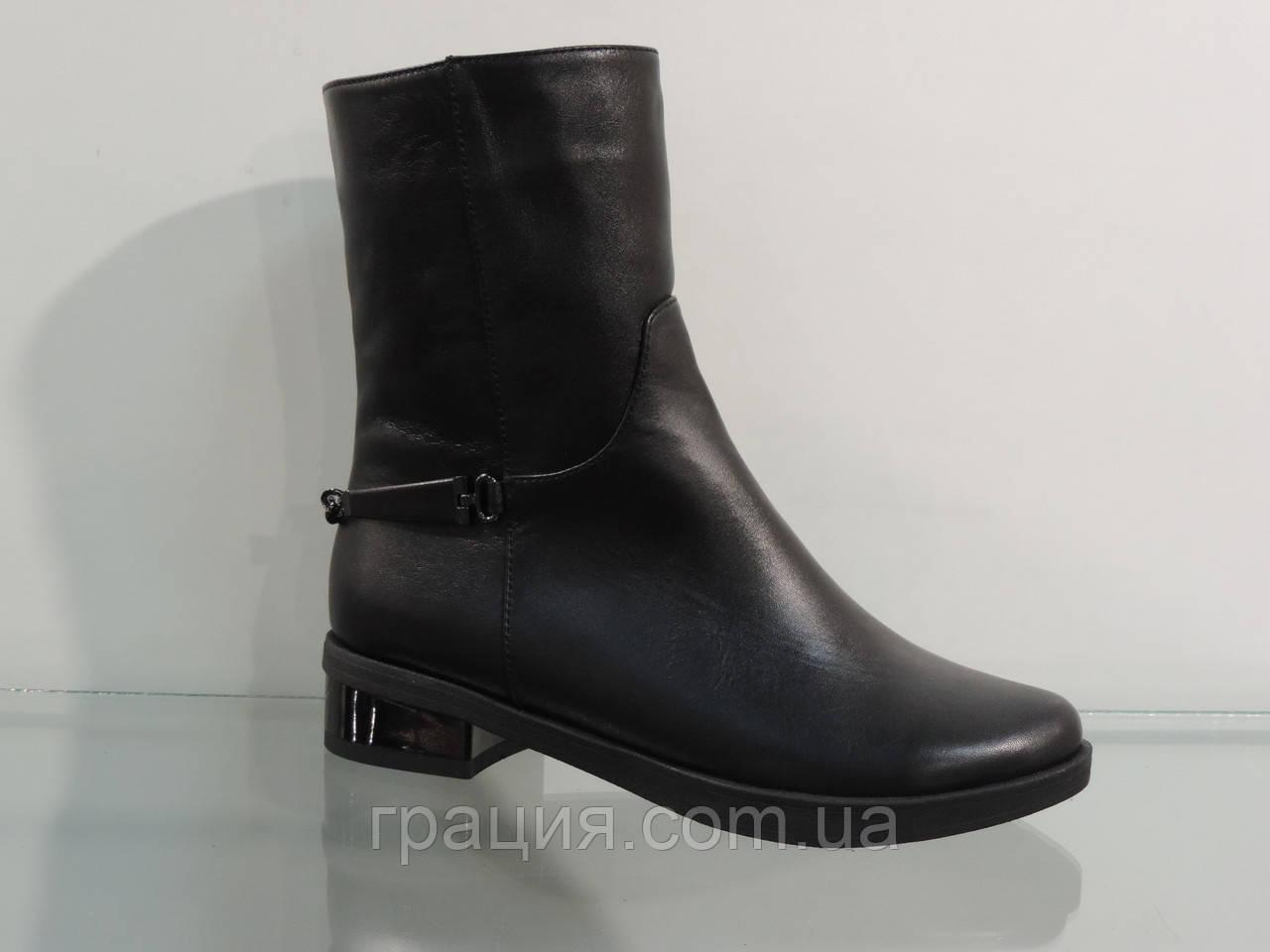 Модные молодежные ботинки кожаные