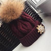 """Зимняя, женская шапка """"Chanel"""" (Крупная вязка, меховой бубон, на флисе) РАЗНЫЕ ЦВЕТА И БРОШКИ"""