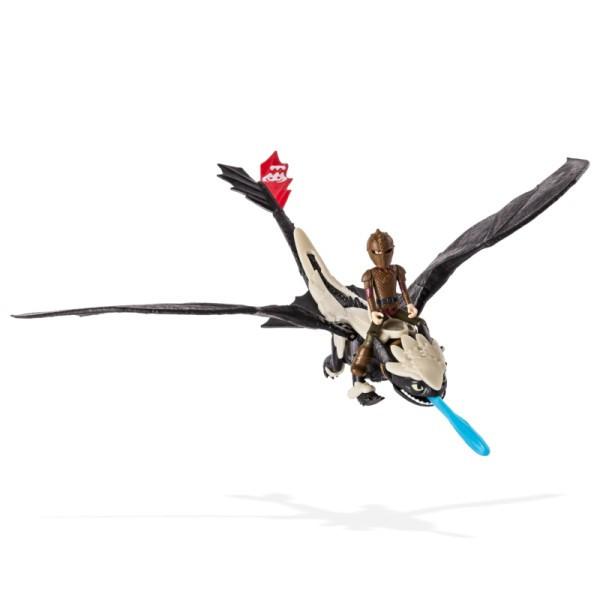 Как приручить дракона: дракон Беззубик в броне с всадником Иккингом