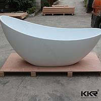 Ванна из литого мрамора отдельно стоящая овальная.