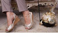 Женские кожаные босоножки на маленькой танкетке размеры 36-40