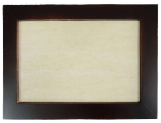 Плитка бежевая керамическая в рамке из натурального дерева (20х30 см)
