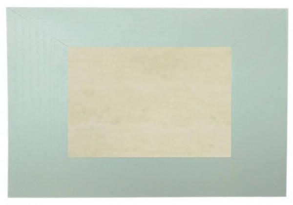 Плитка бежевая керамическая в светлой рамке из натурального дерева (20х30 см)