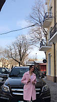 Женственное пальто в розовом цвете