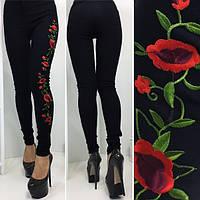 Женские штаны с цветочной аппликацией