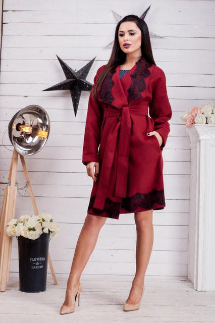 Женское кашемировое пальто с кружевом