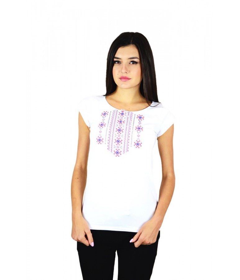 Футболки з українським орнаментом. Машинна вишивка. Стильні жіночі футболки.  - f81f00830d928