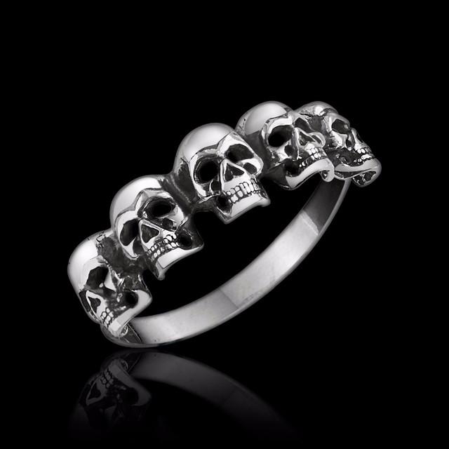 Байкерское кольцо с черепами Счеты картинка