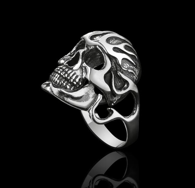 Байкерское кольцо с черепом Адский Гонщик картинка
