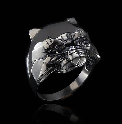 Серебряное кольцо Хищник