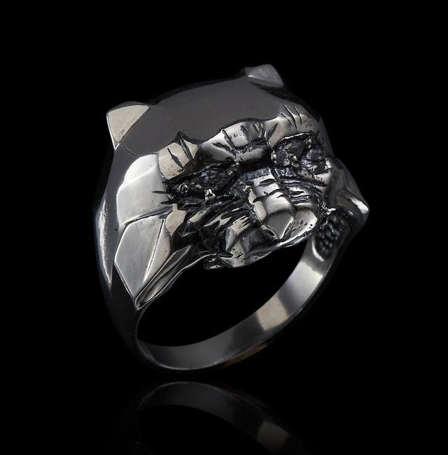 Серебряное кольцо Хищник картинка