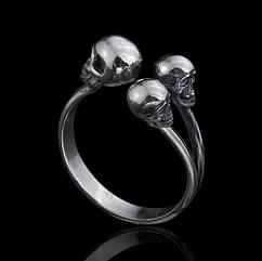 Кольцо с черепами Трио