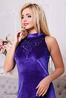 Женское облегающее  велюровое платье с вышивкой