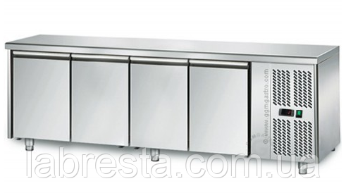 Стол морозильный четырехдверный GGM GTS227,  (2223х700 мм)